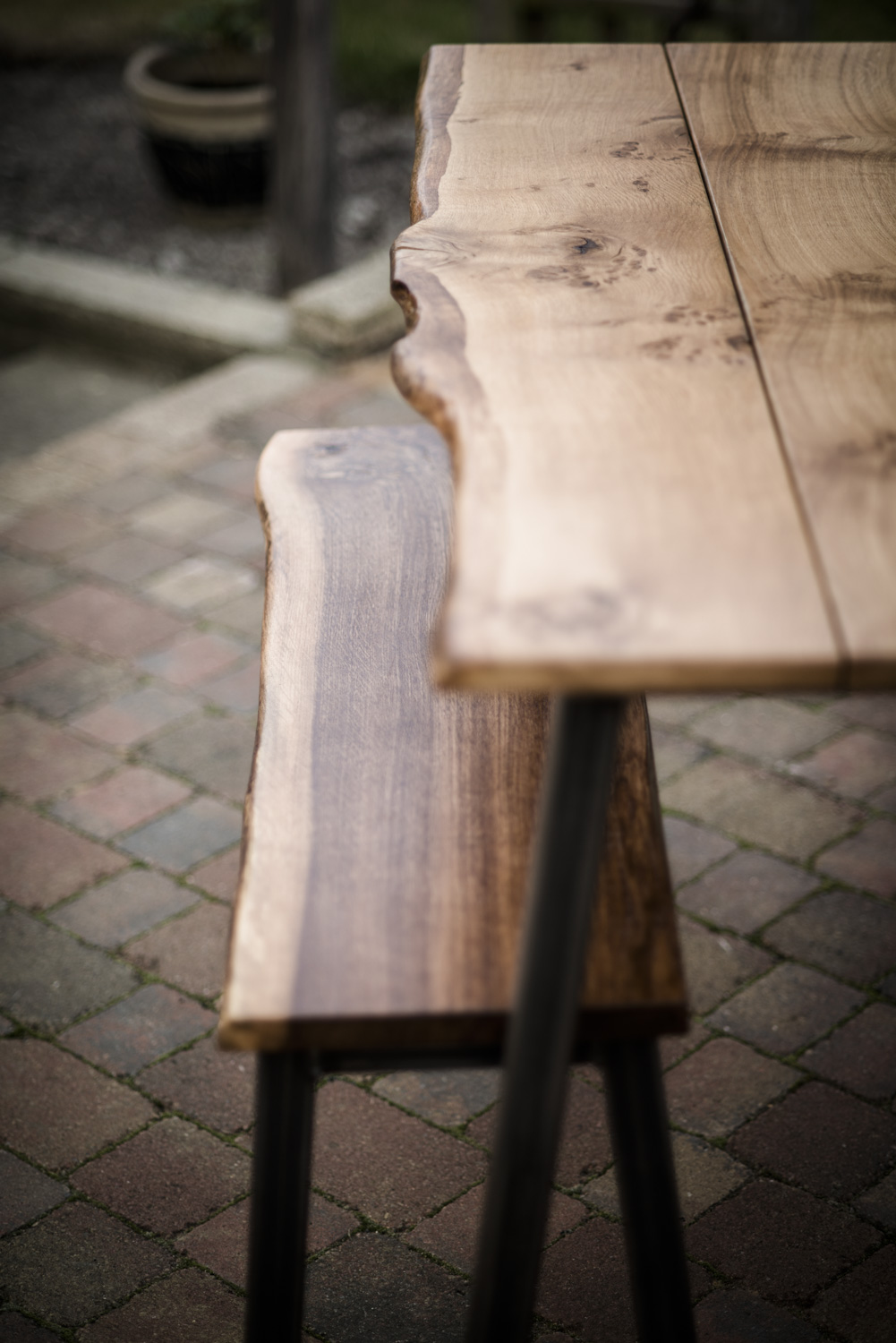 breakfast_table_and_bench_05